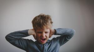 HRA-NICE -Prečo sa naše deti občas správajú akoby sa snažili o naše nervové zrútenie? Online.